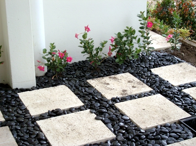 17-ideas-for-garden-design-stones-are-versatile-3-772