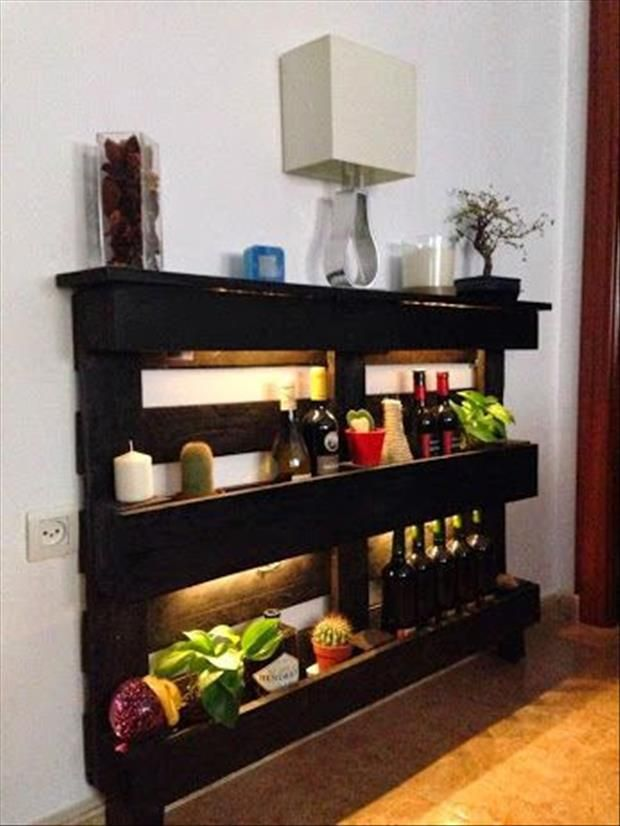 20-Furniture-You-Can-Create-Using-Old-Pallets-1