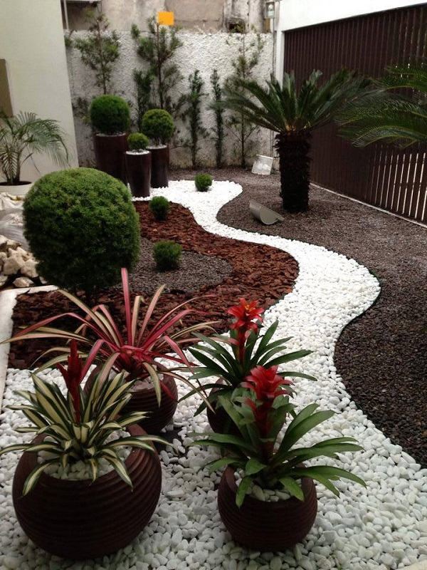 AD-Garden-Ideas-With-Pebbles-02
