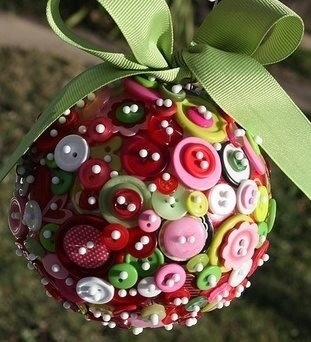 Button-Crafts-for-Christmas-Decorations2