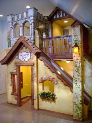 Casa-De-Munecas-Bajo-Escaleras-8