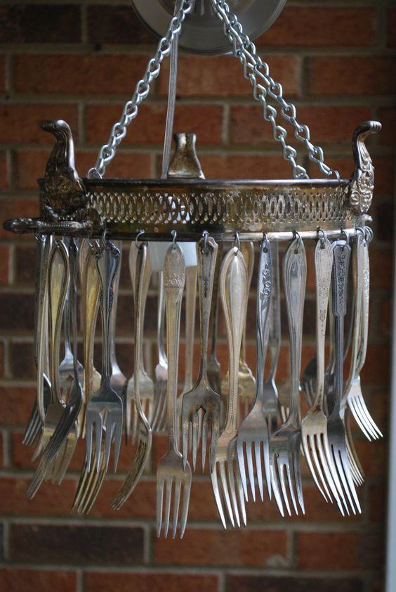 jardin-con-utensilios-cocina-viejos-14