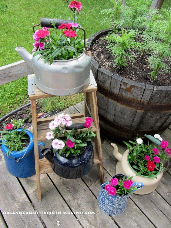 jardin-con-utensilios-cocina-viejos-21