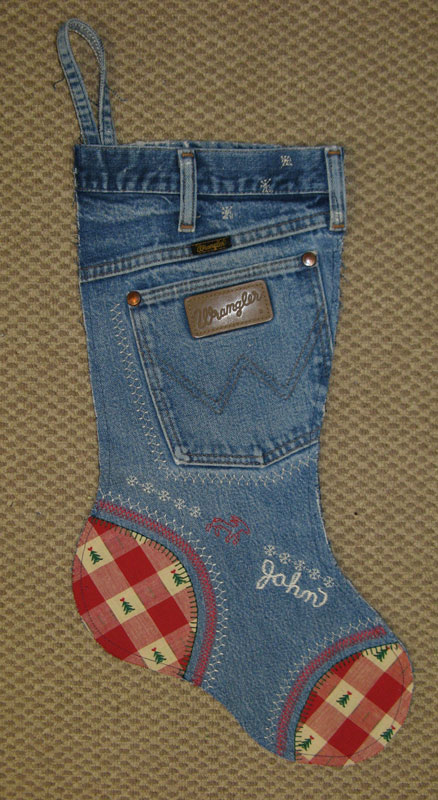 Make-Christmas-Stockings-From-Old-Jeans