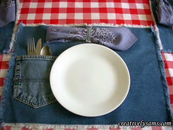 Make-these-adorable-denim-placemats