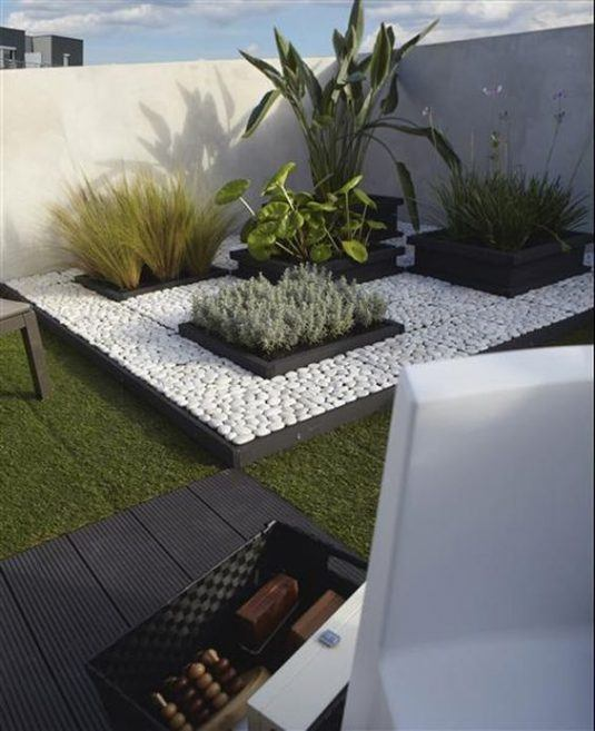 decorar-balcon-con-piedras-9