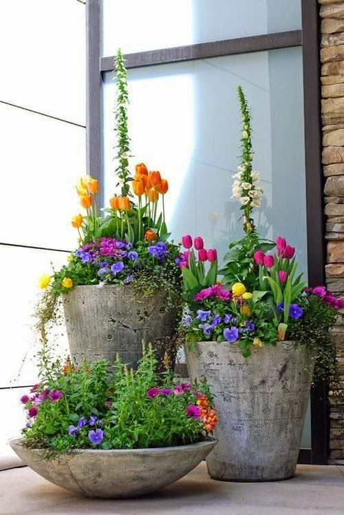 ideas-para-decorar-patios-con-plantadores-2
