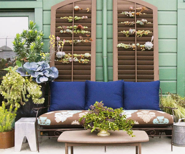 ideas-para-decorar-patios-con-plantadores-4