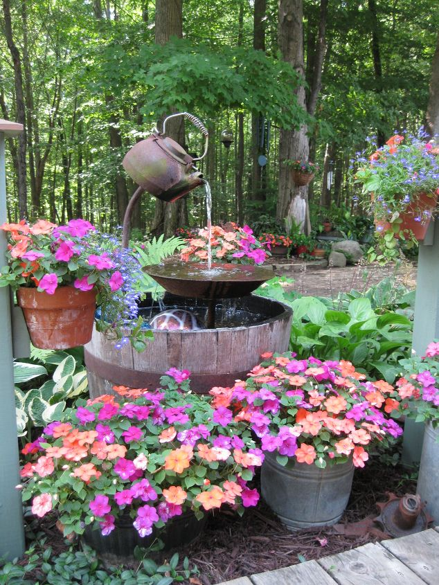 jardin-decorado-con-cosas-cocina-20