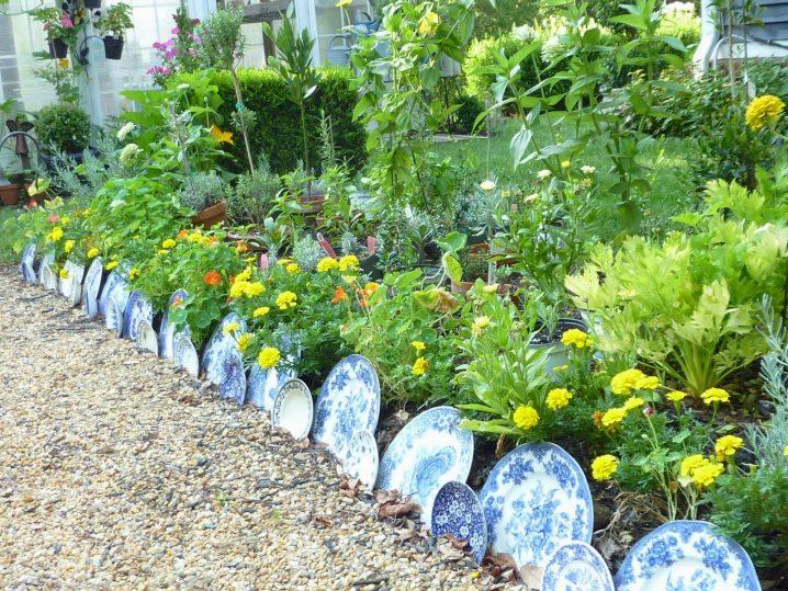 jardin-decorado-con-cosas-cocina-4