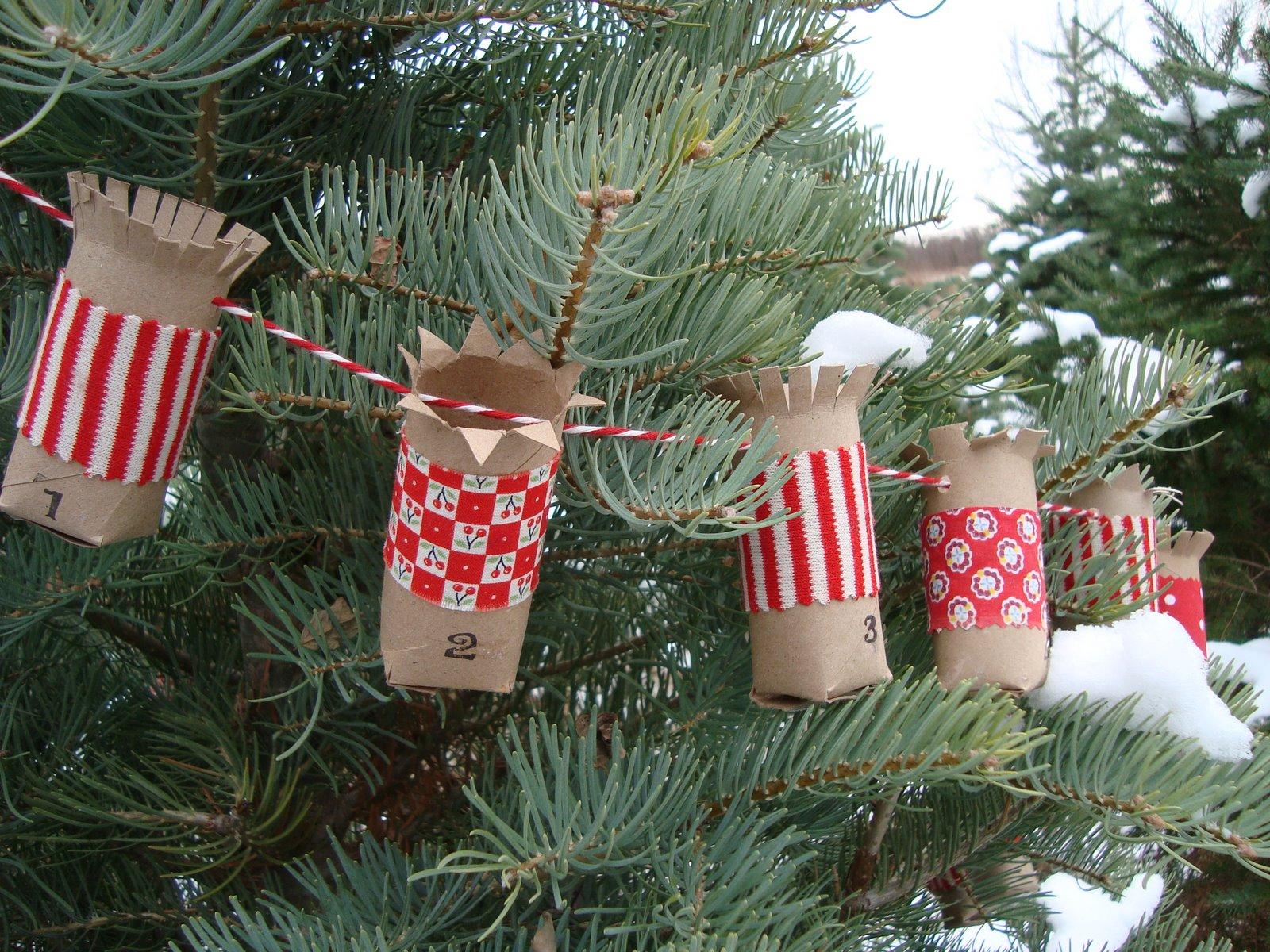 objetos-navidenos-hechos-con-rollos-de-papel-higienico-14