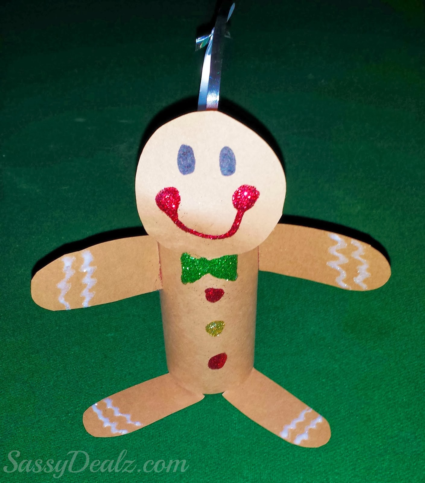 objetos-navidenos-hechos-con-rollos-de-papel-higienico-15
