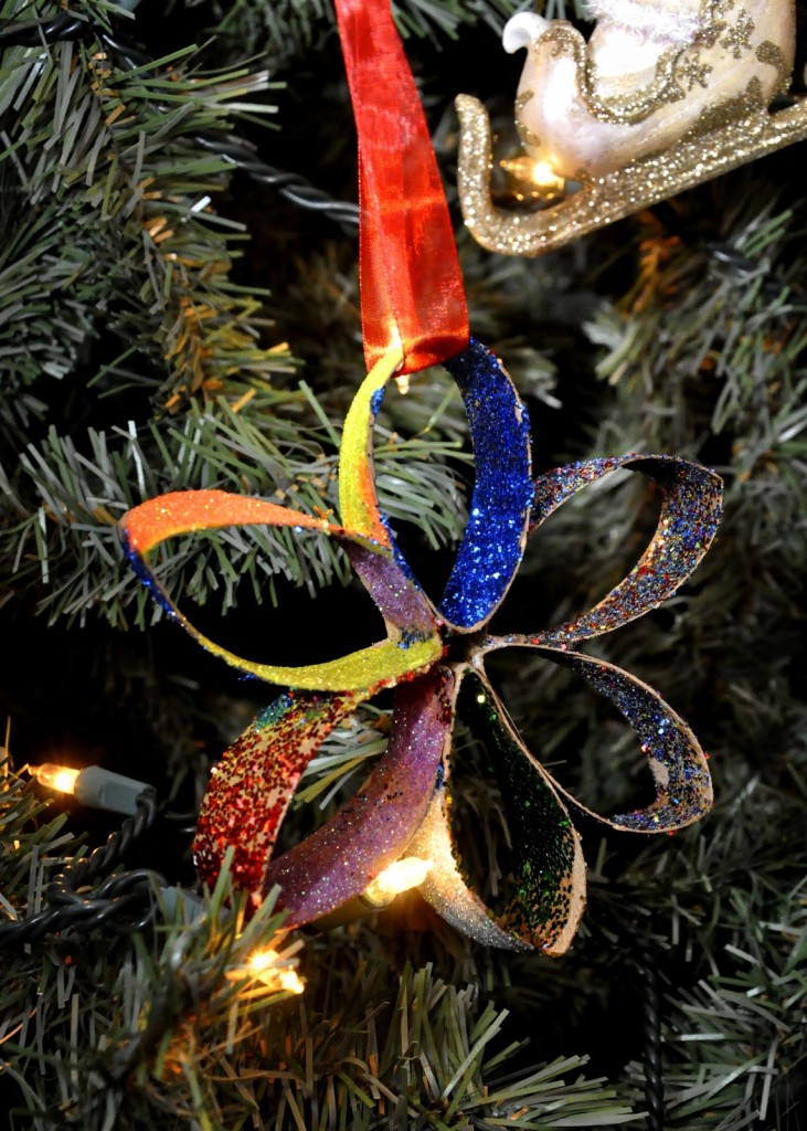 objetos-navidenos-hechos-con-rollos-de-papel-higienico-23