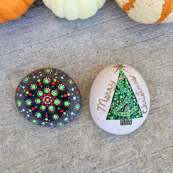 piedras-pintadas-navidenas-14