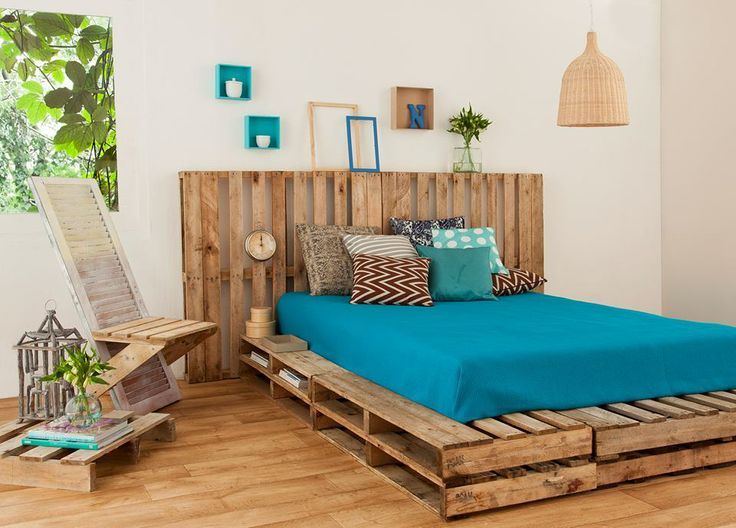 reuse-pallet-bed-frame-upcyling-bedroom-design-cheap-materials-pillows-diy-decoration