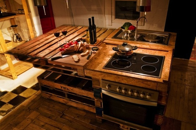rustic-kitchen-pallets